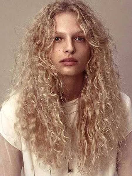 40 styles to choose from when perming your hair golden blonde spiral perm urmus