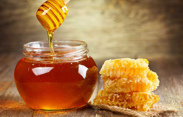 Honey-Scrub-For-Oily-Skin