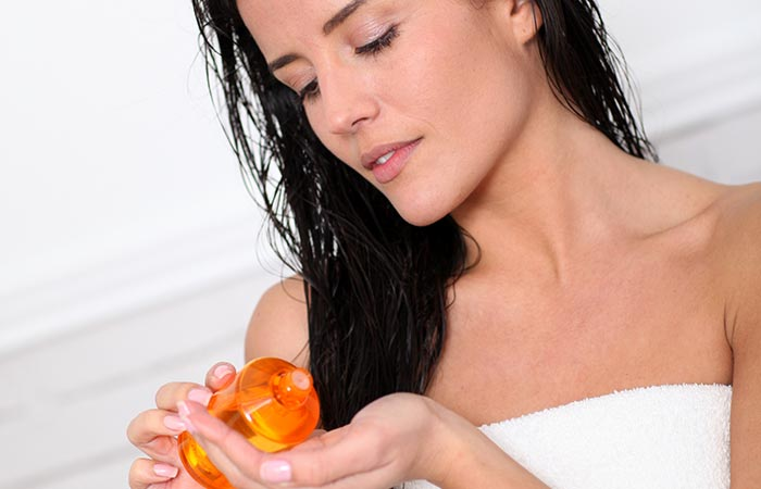 Jojoba-Oil-Benefits-And-Uses-For-Hair