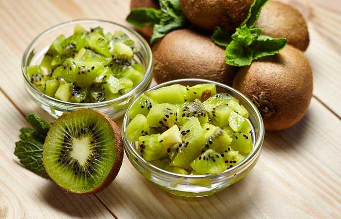 Kiwi-Fruit-Scrub-For-Oily-Skin