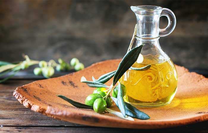 Olive-Oil-And-Sugar-Scrub-For-Oily-Skin