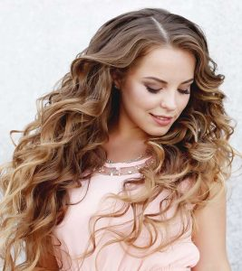 8 Party Hairstyles For Wavy Hair