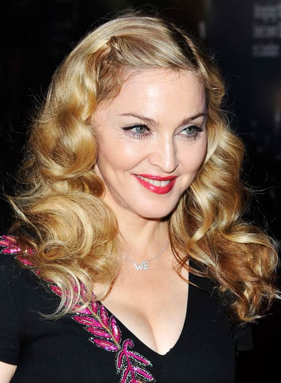 Pinned-Up-Vintage-Blonde-Curls