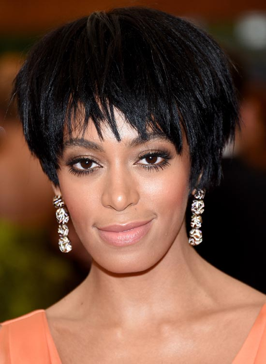 Reverse-Stacked-Bob-with-Wispy-Uneven-Fringes