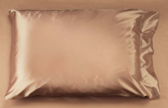 Curly Hair Tips - Satin pillowcase