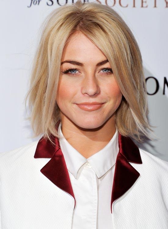 Shoulder-Length-Bob-with-Textured-Subtle-Waves