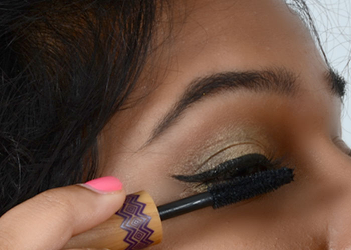 Gold Eye Makeup Tutorial - Step 8: Add Mascara To Eyelashes