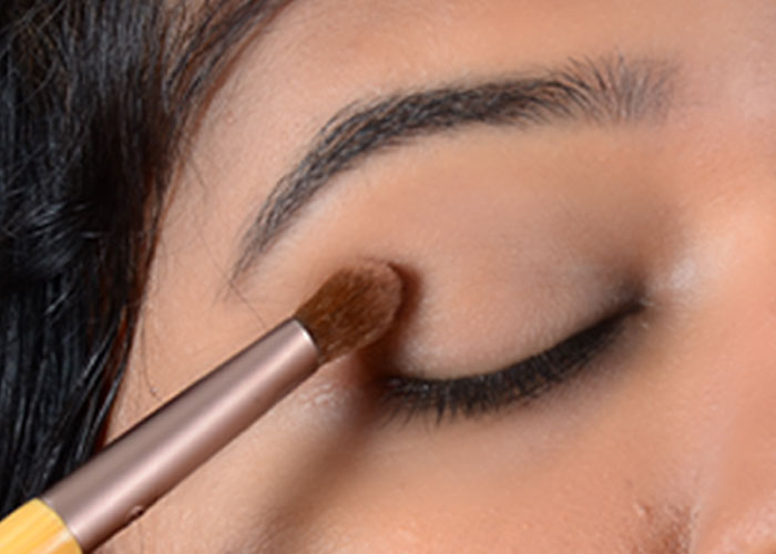 Eye makeup for fat eyelids