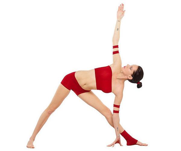 Trikonasana for yoga