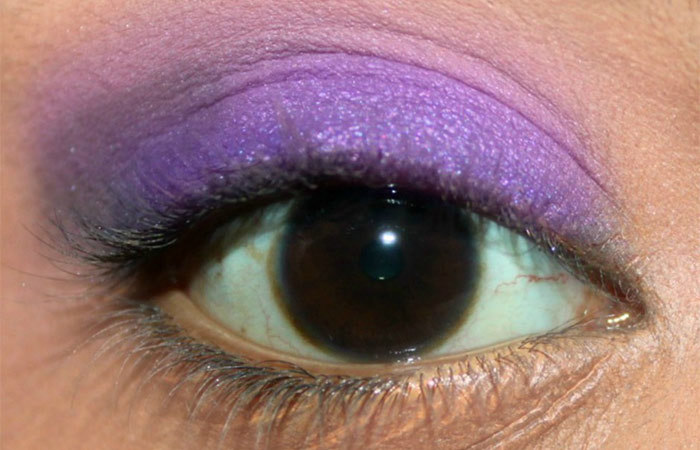 Purple And White Eye Makeup Tutorial - Step 5: Apply Matte Indigo Blue Eyeshadow