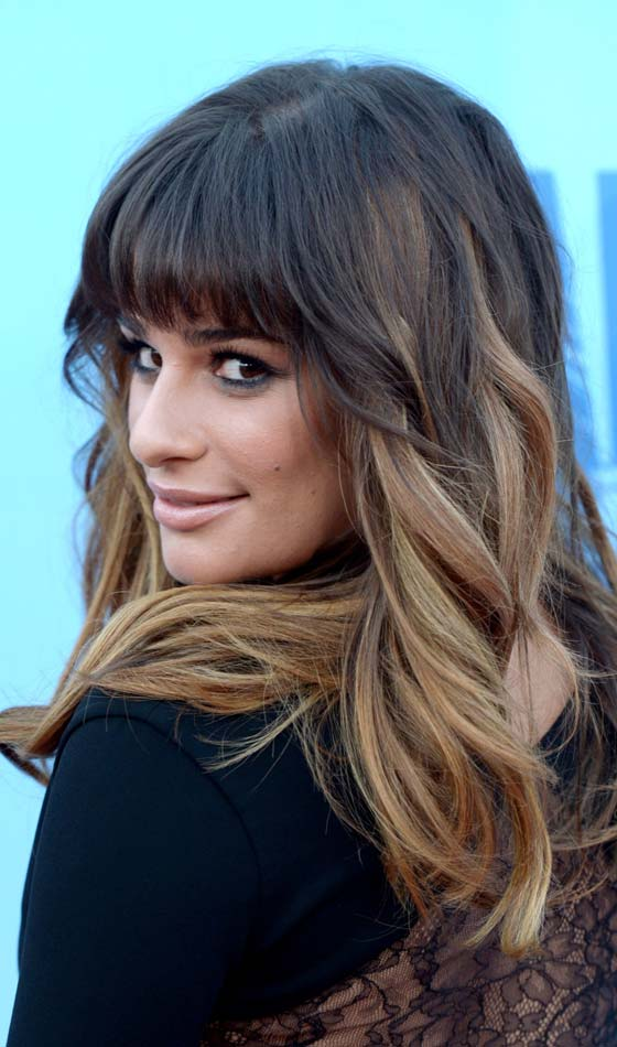 Wispy-Thick-Front-Fringes-with-Wavy-Long-Hair