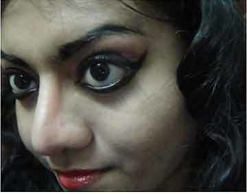 Bharatanatyam Makeup - Apply Dark Kohl And Kajal