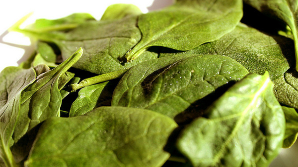 green leafy vegetables for glowing skin