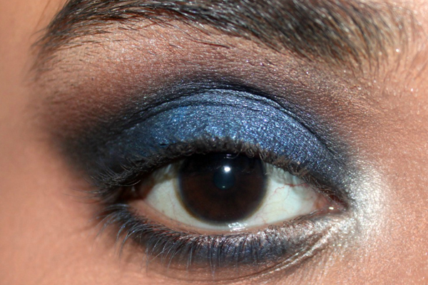 elegant-blue-eyes-makeup-tutorial-6-1