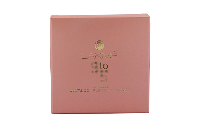 Lakme 9 to 5 Flawless Matte Complexion Compact - Best Compact For Oily Skin