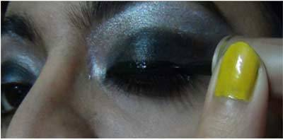 Apply Liner - Black Eye Makeup