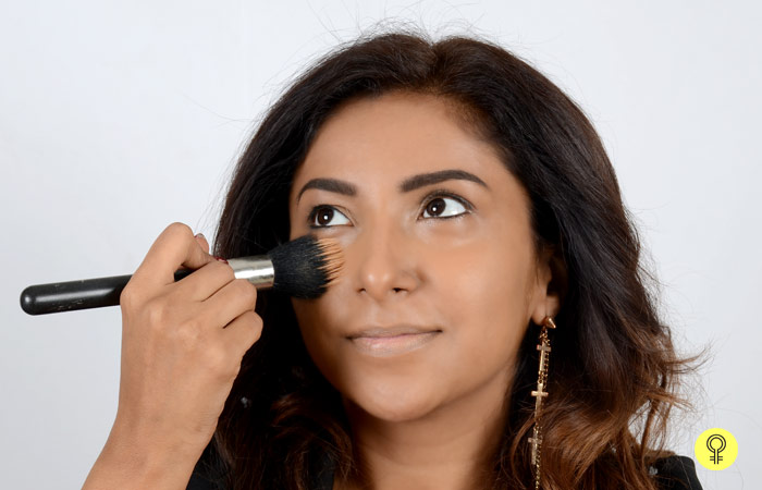 How To Apply Foundation Perfectly? - Step 2: Start Applying Foundation