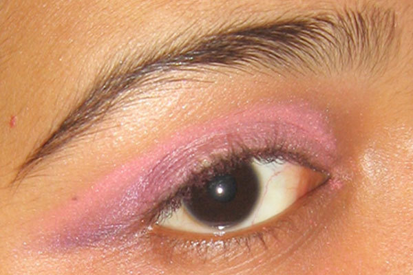 Arabic Eye Makeup - Step 4: Apply Purple Shade On Outer Edge