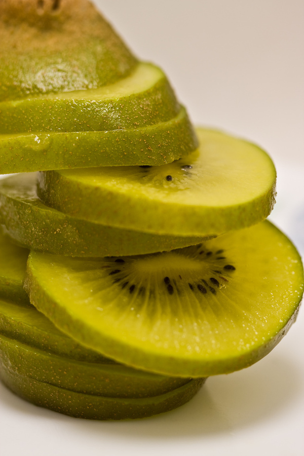 kiwi fruit for glowing skin