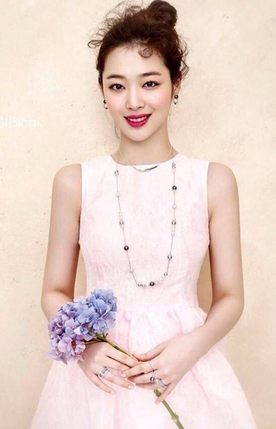 Sulli - Beautiful Actress and Singer