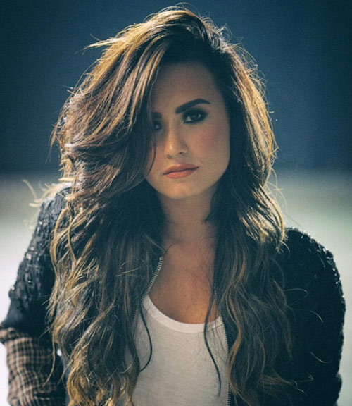 Demi Lovato - Cute Singer and Song Writer