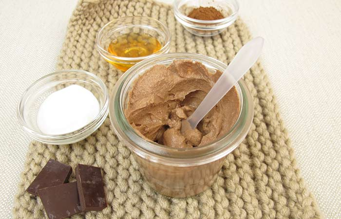3. Chocolate And Clay Face Mask