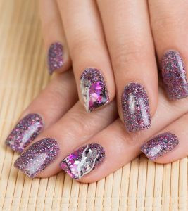 DIY – Easy Glitter Nail Designs