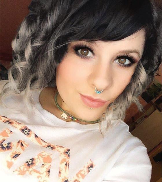 40.-Ash-Curls