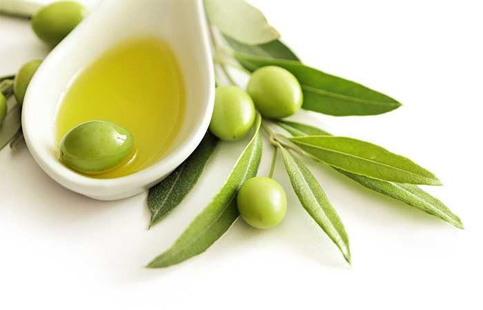 5. Olive Oil For Peeling Skin