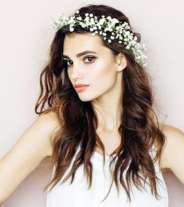53 Romantic And Chic Hairstyles For Valentine's Day