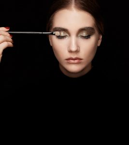 How To Apply Eyeshadow Like A Pro – A Step-By-Step Tutorial