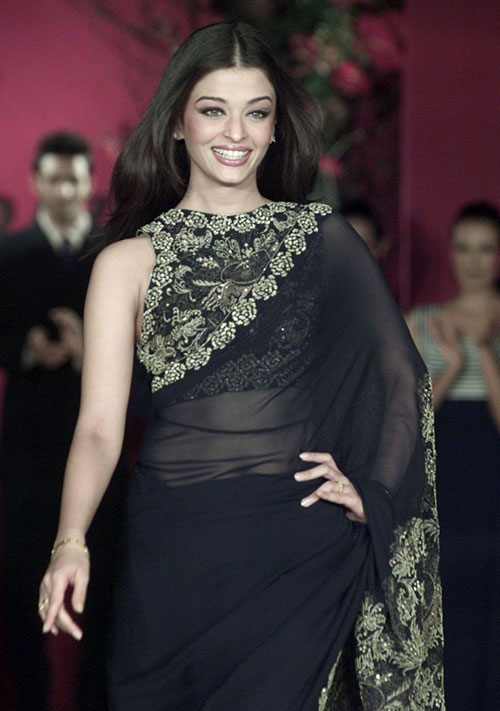Aishwarya Rai Bachchan In Black Saree