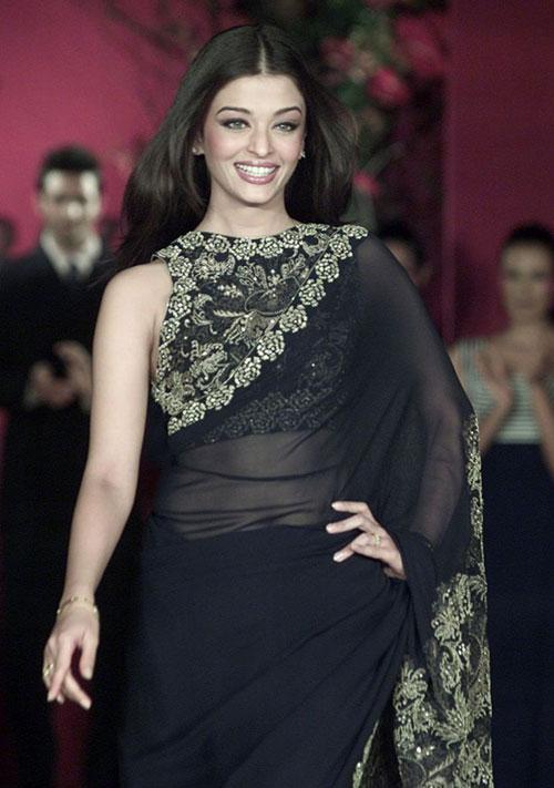 Aishwarya Rai Bachchan In Black Saree
