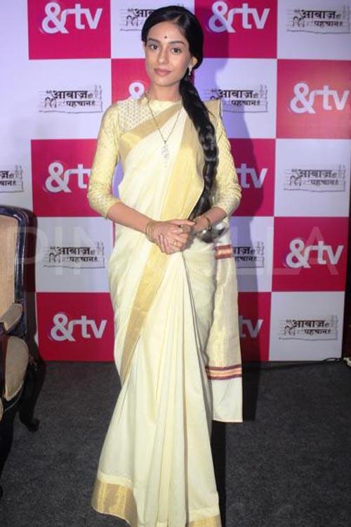 Amrita Rao In Cream Saree