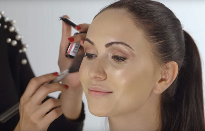 How to apply makeup perfectly on face step by step tutorial how to do face makeup perfectly applying blush pinit solutioingenieria Choice Image