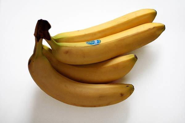 banana hair mask for frizzy hair