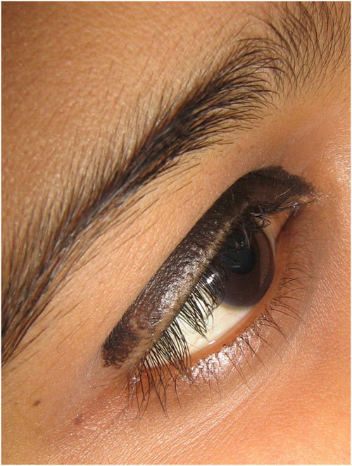 Bangladeshi Bridal Makeup - Step 4: Apply Black Eyeliner