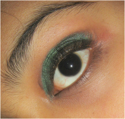 Bangladeshi Bridal Makeup - Step 5: Apply Eyeshadow