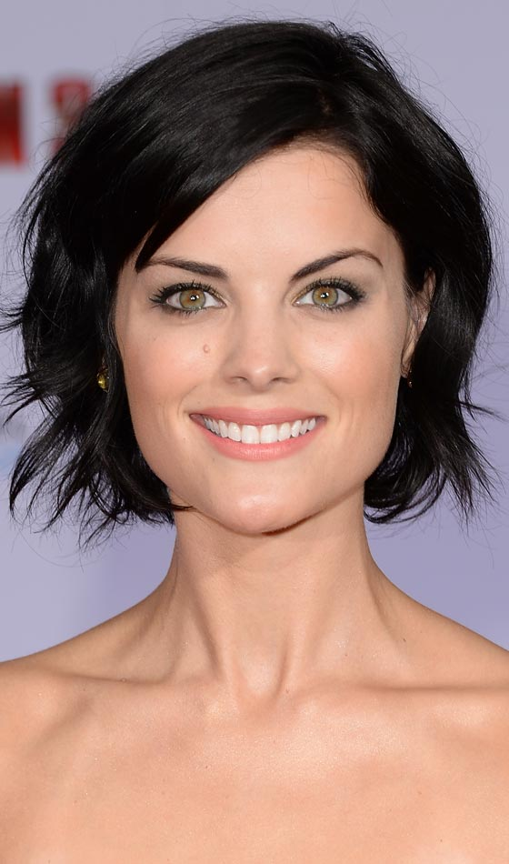 Black-Side-Swept-Bob