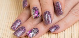DIY-–-Easy-Glitter-Nail-Arts