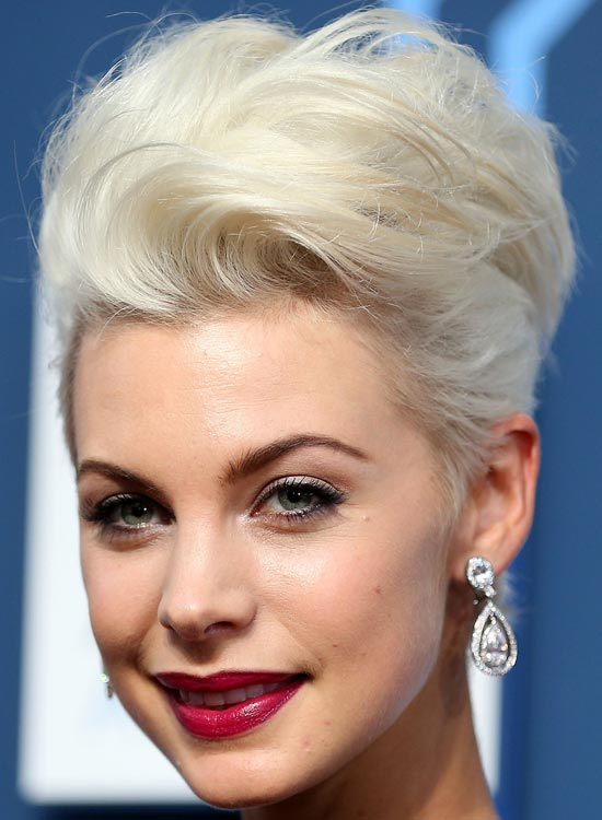 Fluffy-Platinum-Blonde-Bob-with-Waves