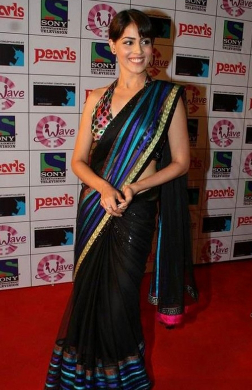 Genelia D'Souza In Black Saree