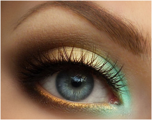 Gradient Eye Shadow Look