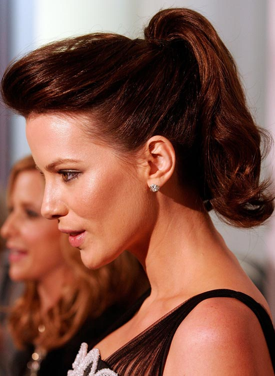 High-Wavy-Ponytail-with-Pompadour