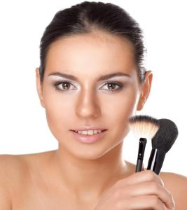 How To Apply Blush On A Round Face?