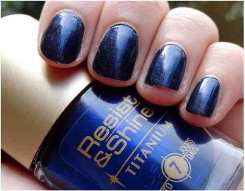 Loreal Navy Velvet nail makeup
