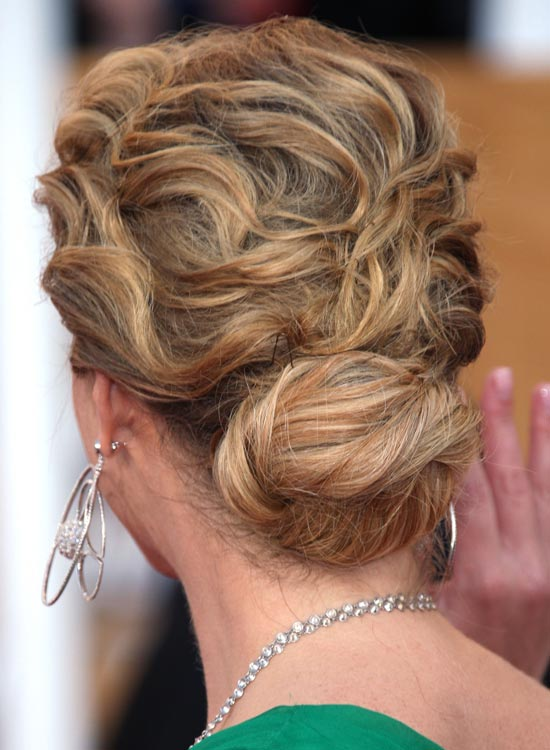 Low-Bun-with-Highly-Textured-Waves