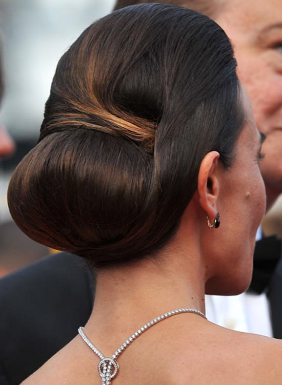 Low-Bun-with-Turns-and-Wraps