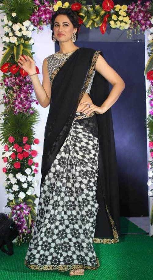Nargis Fakhri In Black And White Saree