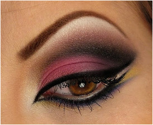 Beautiful Eye Makeup Pics - Hot Pink Smokey Eyes